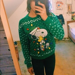 Forever 21 Sweaters - 🥜💚Peanuts -Non Ugly- Christmas sweater
